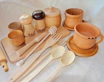 Play kitchen set (17pcs). Wooden play kitchen set. Wooden toys.