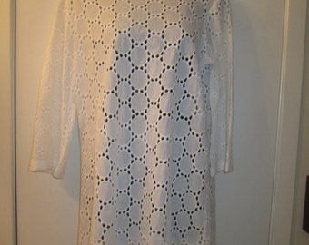Jordan Taylor size L made in the USA all cotton A line white eyelet beach cover, dress or tunic.