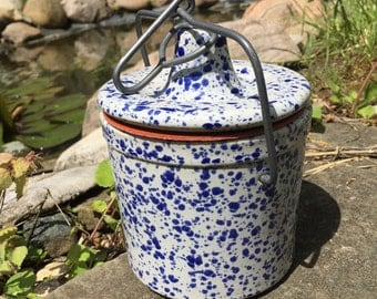 Country Chic ceramic container -- cookie jar -- coffee container