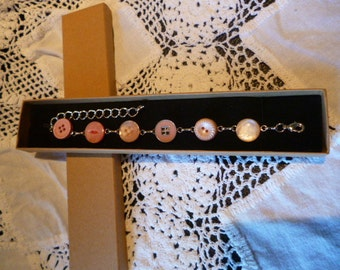 Peach/Pink Vintage Button Bracelet