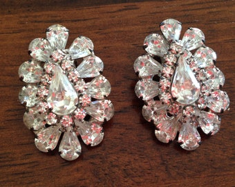 Vintage Clear Rhinestone Clip Earrings 0345