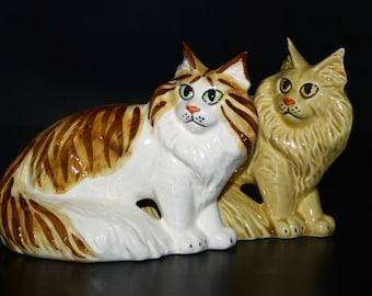 Maine Coon cat    figurine ceramics handmade,  statuette porcelain