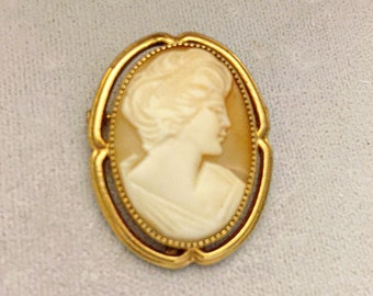 1950's Catamore gold filled shell cameo lovely carving and setting  noce condition  retro vintage