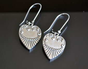 Heart Earrings, Simple Earrings, Tribal Earrings, Heart Earrings, Ethnic Silver Earrings, Victorian Earrings, Boho Earrings, Tribal (E298)