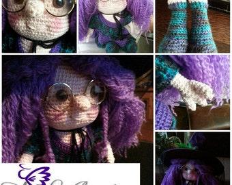 Halloween crochet pattern, Wicca the Sweet  Little Witch