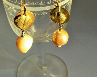 Victorian pinchbeck leaves and pearl earrings, victorian jewels, antique Victorian Vine Leaf Earrings earring-gold and pearls
