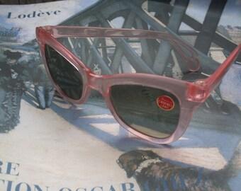 Sun glasses, Vintage glasses, Vintage sunglasses, Original glasses, Vintage shades, 1950s sunglasses, 1950s glasses, 1950s accessories,