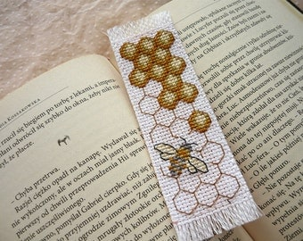Cross stitch bookmark - bee, embroidered bookmark, gift for readers, book lover