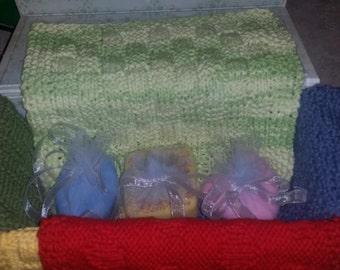 Gift box soap/wash cloth set