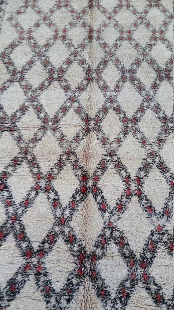 Old moroccan beni ouarain rugs tapis berber by
