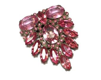 40s Pink Rhinestone Fur/Dress Clip