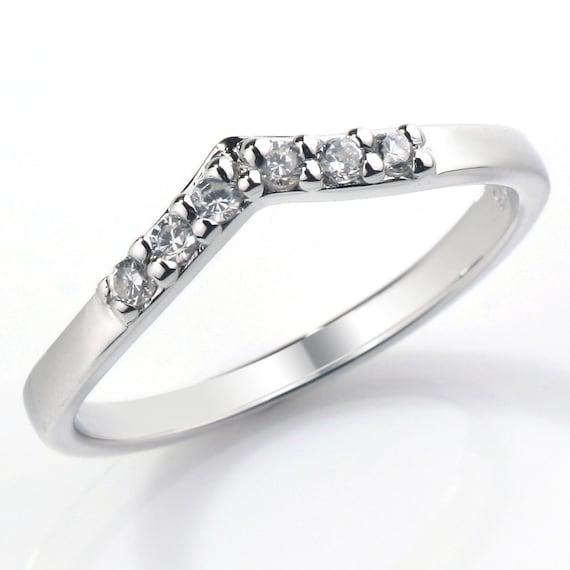 Claw Set V Shaped Diamond Wedding Ring Fully UK Hallmarked (WD117)