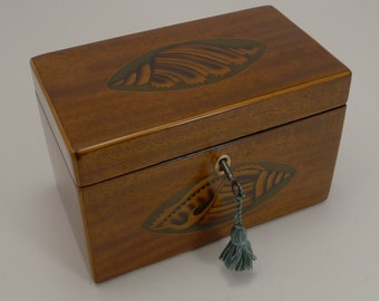 Superb Antique English Conch Shell Inlaid Mahogany Tea Caddy c.1800