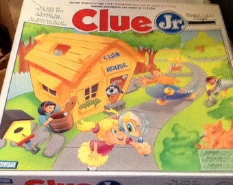 Vintage (c.1995) Clue Jr. Case of the Hidden Toys board game by Parker Brothers. COMPLETE.  Box, board & pieces in excellent condition.