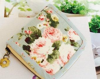 Blue wallet, Pink roses wallet, blue zipper wallet, Small wallet for women, Handmade fabric wallet, Credit card wallet, rose coin purse