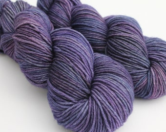 Midnight - Hand Dyed Yarn - Echo DK weight - 100% Superwash Merino - 210m / 100g- Midnight Blue Purple semisolid tonal yarn