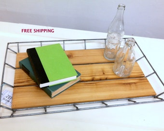 Wire and wood tray//Wire//Wood//Industrial//Geometric//Modern//Geometric//Industrial