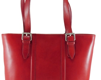 Women's Elegant and Classic bag in high quality italian leather 9055 red