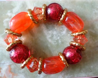 Red Pink Lucite Stretch Bracelet, Red Pink Stretch Bracelet