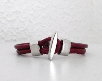 Bracelet homme simili cuir, bracelet multi rangs, bracelet bordeau pour lui, cadeau d'anniversaire fait main pour les hommes, noces de cuir