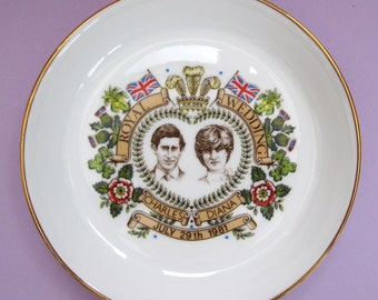 Vintage collectible decorative plate Diana and Charles wedding, 1981, boxed