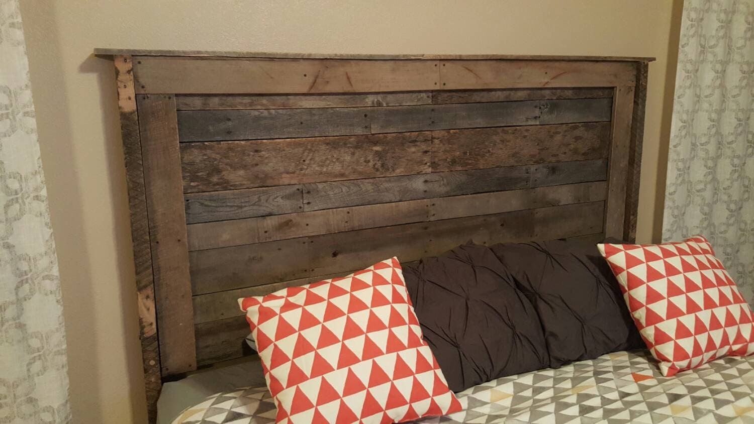 Reclaimed pallet headboard for Recycled headboards