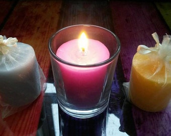 Votive candle in a glass holder + 4 refills