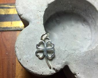 Sterling silver shamrock dangle charm pendant - four leaf clover - 1 pc