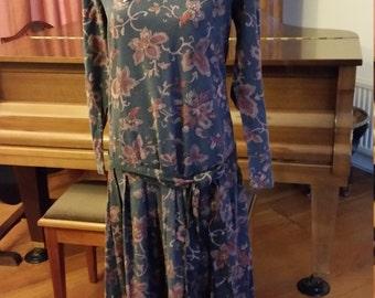 Vintage Laura Ashley 1920s Style Tea Dress. Lace Collar. Timeless Charm!
