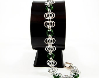 Butterfly Chainmaille Bracelet in Green and Silver