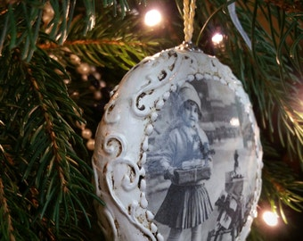Sold!!! Vintage /Shabby Chic/Christmas Ornament / Decoration / Bauble