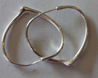 Sterling silver heart shappes hoop earrings pierced posts