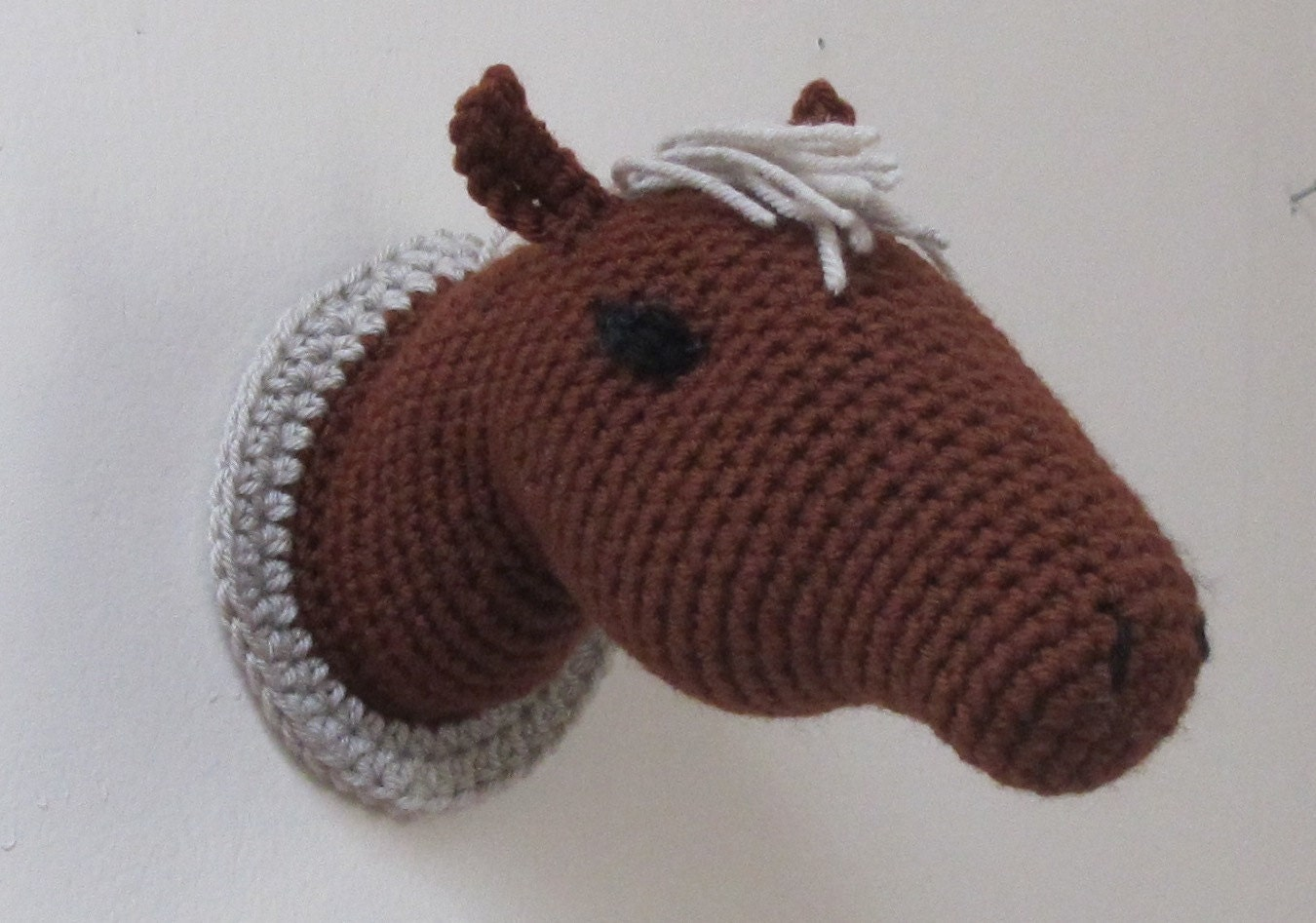 Amigurumi Horse Head : Crochet Trophy Horse Head Wall Mount Brown Color