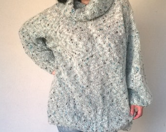 Hand-knitted Soft and fuzzy WOOL SWEATER, ladies S-L