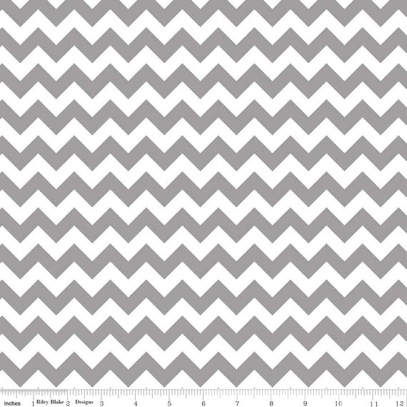 Gray White Small Chevron by Riley Blake Designs - Quilting Cotton ...