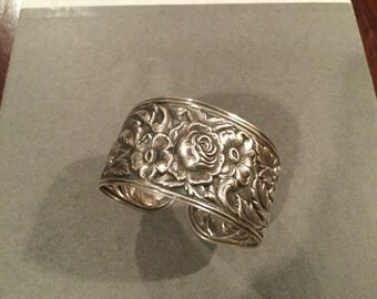 S. KIRK & SON REPOUSSE Sterling Cuff Bracelet Floral Design Hand Wrought 44.8 Grams Hallmarked