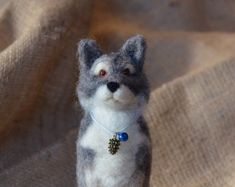 Needle felted wolf of winterfell,grey wolf handmade direwolf
