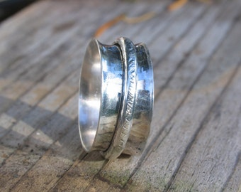 Spinner ring in sterling silver
