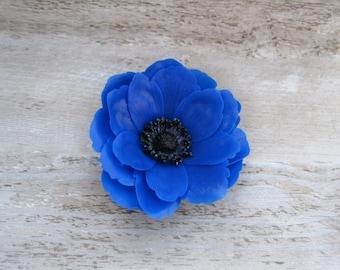 Anemone hair flower Bridal hair Blue flower clip Bridesmaid hair flower Blue hair accessory Rustic wedding accessory Hair pin with flower