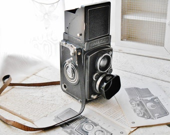 Retro Rolleiflex Automat I model 3 - Vintage Rolleiflex Automat TLR Camera with UV Filter and Lens Hood - Iconic Rolleiflex Camera 1939-'49