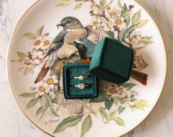 Free shipping!  Emerald Green Velvet Ring Box Handmade Wedding Vintage  Engagement Gift Bride