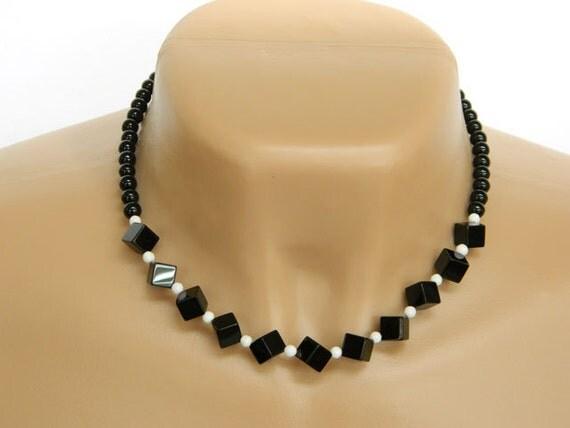 Black Onyx Necklace, White Glass Beads, Short Necklace, Handcrafted Necklace, Silver, Choker Necklace, Black Necklace, Gemstone Necklace
