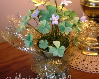 A Pot Of Good Luck/St.Patrick's Day/Four Leaf Clovers Crepe Paper