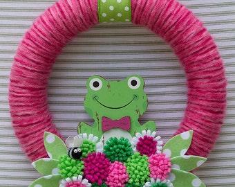 Frog Wreath, Yarn Wreath, Pink Yarn Wreath, Felt Flower Wreath, Summer Wreath