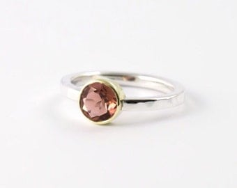 Solitair ring size 17mm zilver with gold setting and tourmaline 6.5mm