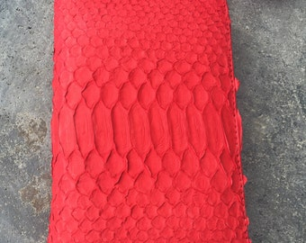BEST PRICE! Red wallet. Zip wallet. Red wallet. Leather wallet. Snakeskin wallet. Python wallet. Buy wallet. Free shipping worldwide.