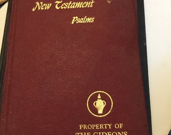 1966 Gideon NEW TESTAMENT Bible...Free Shipping...Sale Now 5.99