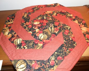 Reversible Autumn table topper spiral