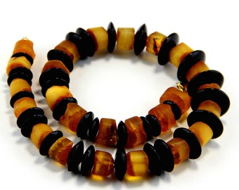Amber necklace | Onyx