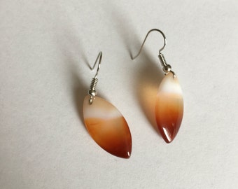 Yellow/orange agate necklace and earring set
